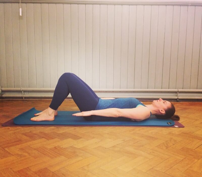 Quinn Pilates Hundred Start Postion Move